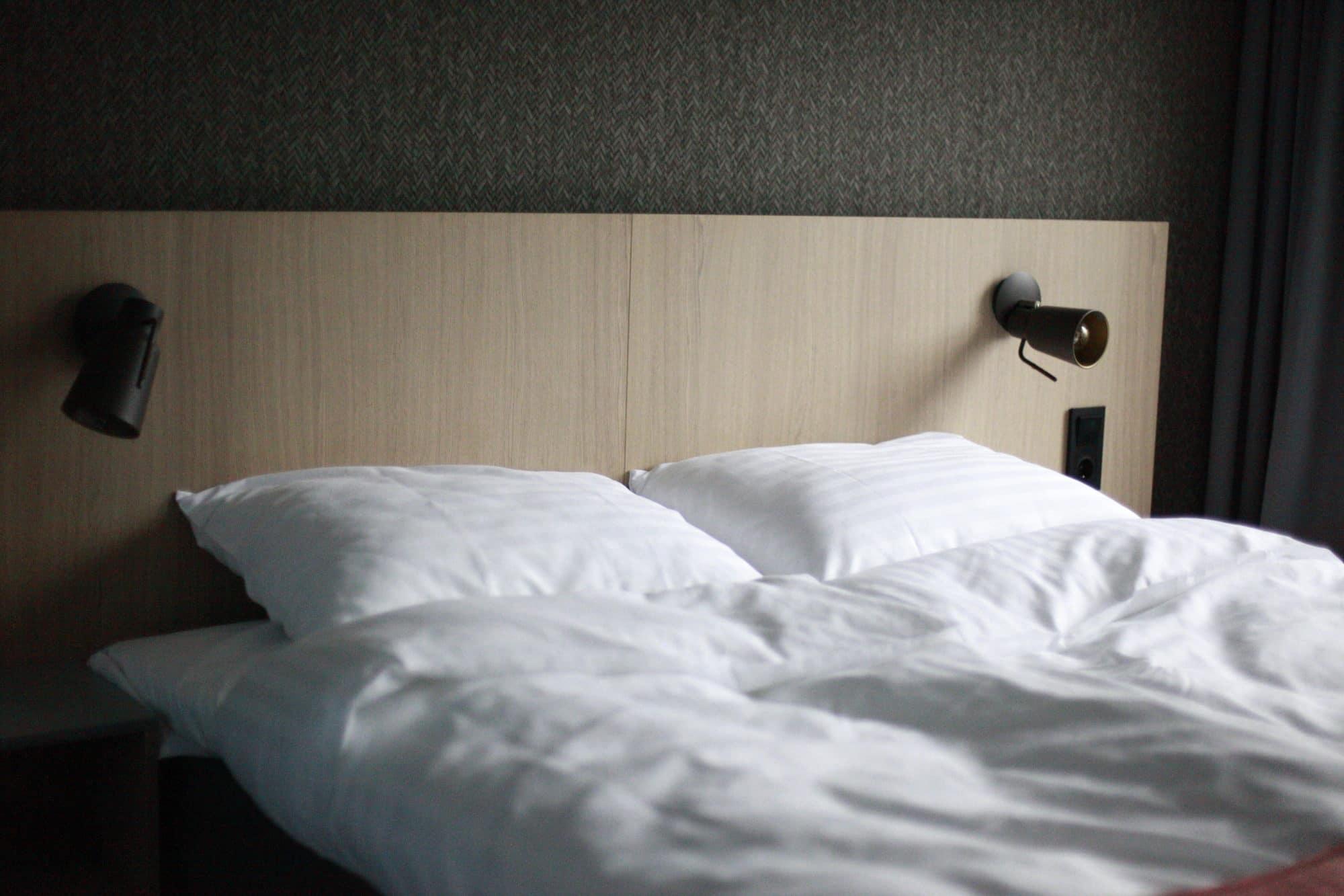 Måndalen hotellkonsept, bilde av seng på Hotel Geist